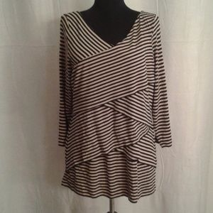 Vince Camuto tiered top XL